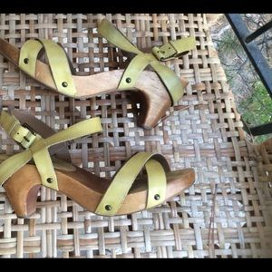 Crossover Clog yellow Sz7.5,  Anthropologie
